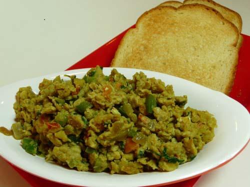 How to Make Egg Bhurji or Masala Egg Scramble - Indian Style Egg ...