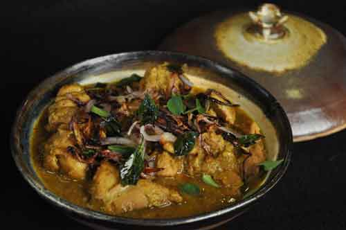 How to make Malabar Chicken Curry, Kerala Naadan Dish by Show Me