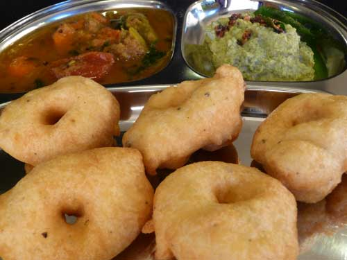 how to make medu vada south indian recipe in hindi